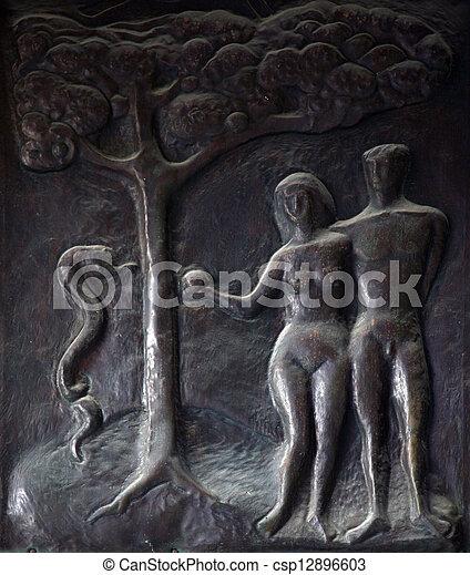 Adam und Eva - csp12896603