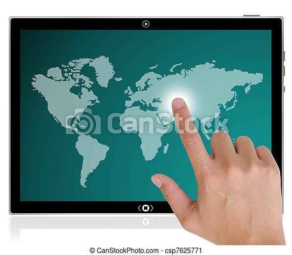 Der beste PC-Tabletten-Computer und die Hand drücken einen Knopf auf einem Touch-Screen-Interface in der ganzen Welt. - csp7625771