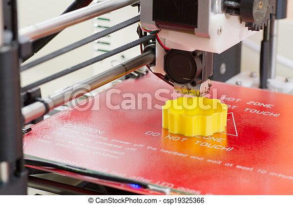 Dreidimensionaler Drucker in Aktion. - csp19325366