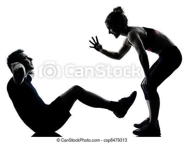 Eine Frau, die trainiert - csp8479313