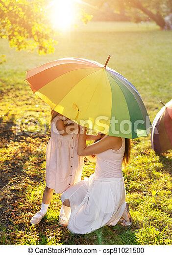 familie, park, enjotying, wetter, sommer, heiter - csp91021500