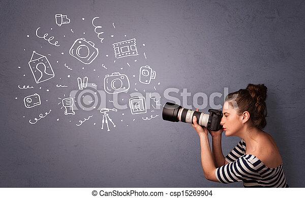 Fotografin, die auf Fotos von Ikonen schießt - csp15269904