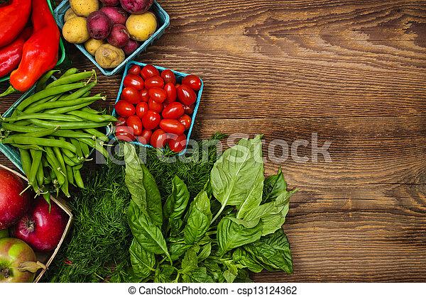 Frische Marktfrucht und Gemüse - csp13124362