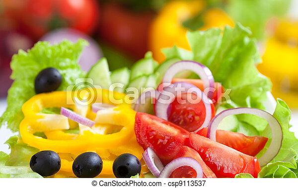 Frischer Gemüsesalat - csp9113537
