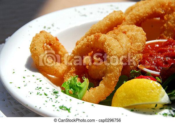 Gebratene Calamari - csp0296756