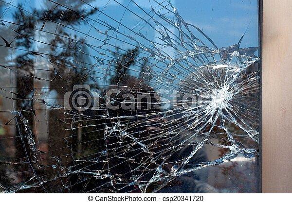 Gebrochenes Glas - csp20341720