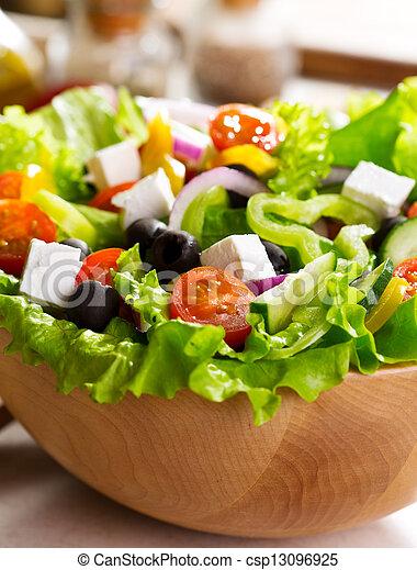Griechischer Salat. - csp13096925