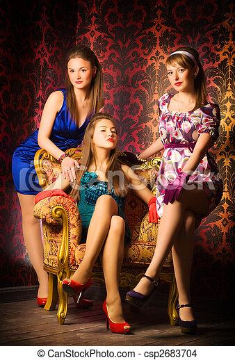 inneneinrichtung, frauen, drei, luxus - csp2683704