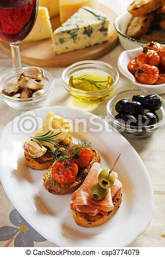 Italienisches Essen - csp3774079