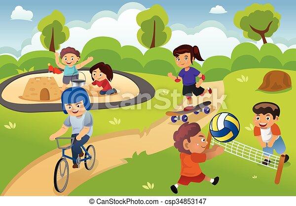 Kinder spielen auf dem Spielplatz. - csp34853147