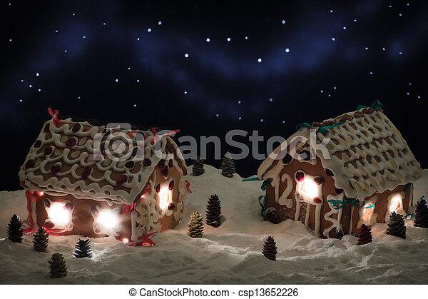 Am Weihnachtsabend im Lebkuchendorf - csp13652226