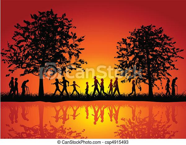 Leute, die auf dem Land spazieren gehen - csp4915493