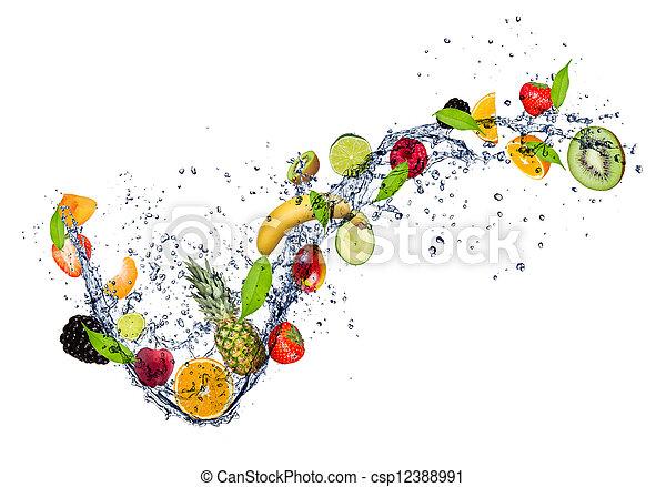 Obst in Wasserspritzer, isoliert auf weißem Hintergrund - csp12388991