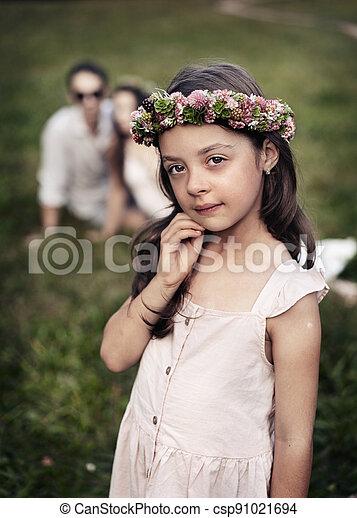 porträt, reizend, posierend, liitle, kleingarten, sommer, m�dchen - csp91021694