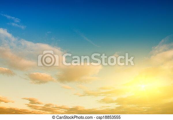 Sunrise Sky Hintergrund - csp18853555