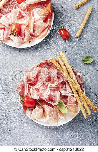 traditionelle , italienesche, antipasto - csp81213822