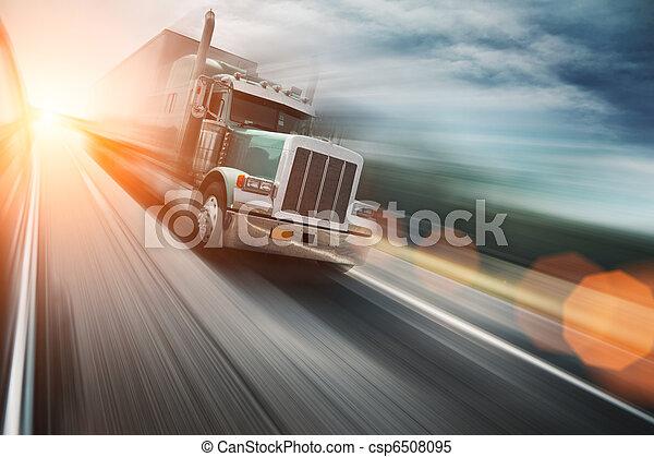 Truck auf der Autobahn - csp6508095