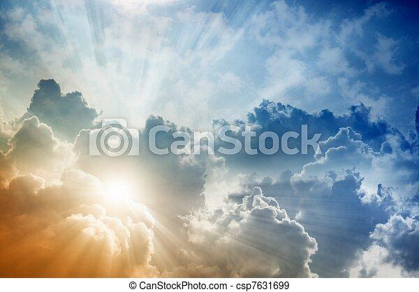 Wunderschöner Himmel - csp7631699